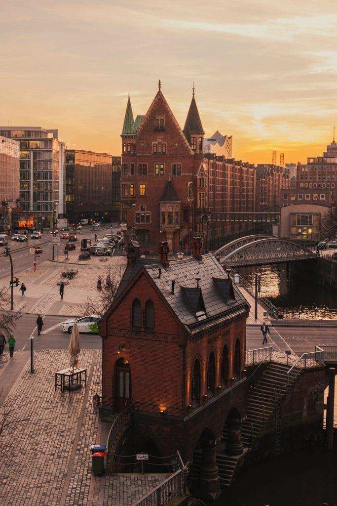 People of Non-German Origin Living in Hamburg